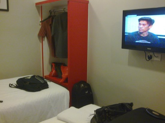 Golden Court Hotel-Tun Abdul Razak : small room...