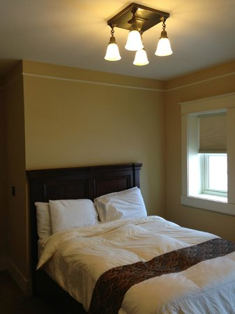 Washington, MO:                   Small, but great finishes and details. Blinds block out almost all light so yo