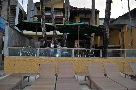 True Home Hotel, Boracay:                   beach beds