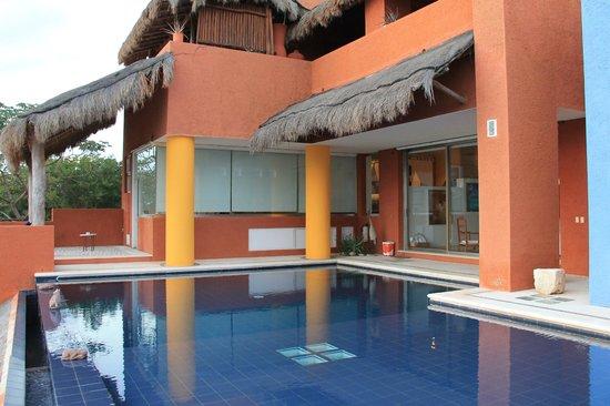Casa de los Suenos:                   Presidential pool/suite