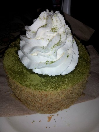 Urth Caffe:                   green tea tirimisu