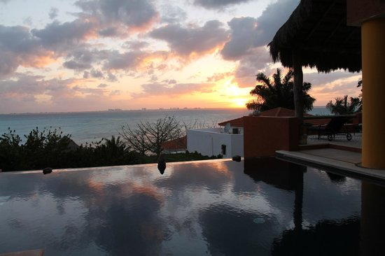 Casa de los Suenos:                   Sunset from the Presidential Suite