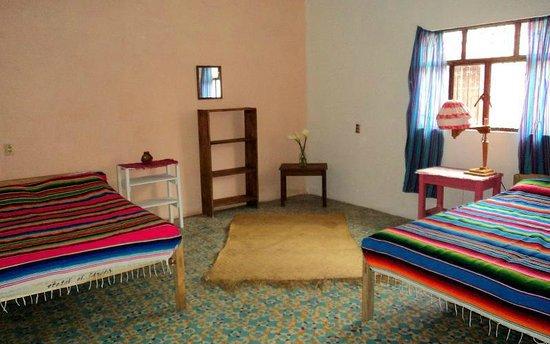 Posada Leon de Jovel:                   Cuarto de dos camas