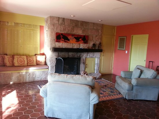 Hacienda Corona de Guevavi :                   Our fireplace!
