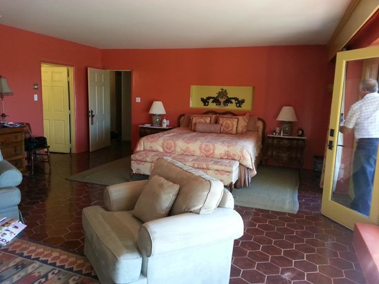 Hacienda Corona de Guevavi:                   King size comfy bed.