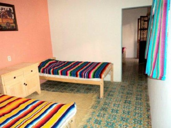 Posada Leon de Jovel:                   Dormitorio
