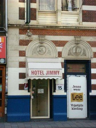 Hotel Jimmy :                   Fachada del Hotel