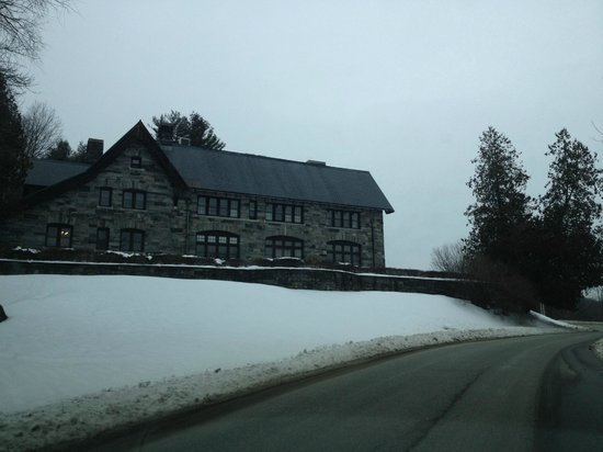 Castle Hill Resort And Spa:                   View from the road