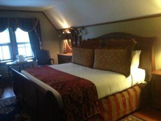 Castle Hill Resort And Spa:                   Bed in our room