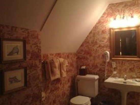Castle Hill Resort And Spa:                   Our Bathroom