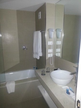 After Hotel Montevideo:                   baño