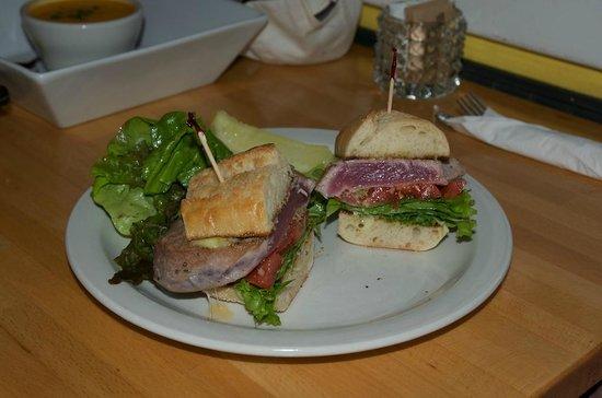 Market Fresh Bistro:                   Tuna sandwich