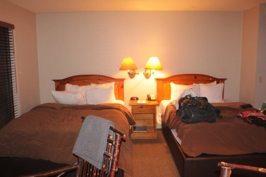 Buffalo Mountain Lodge: room