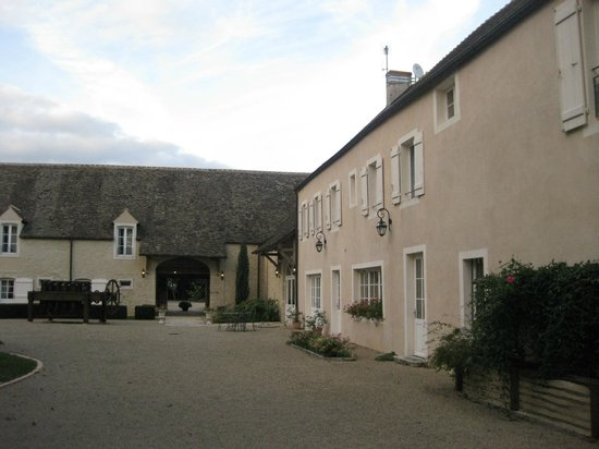 Hotel le Clos :                   The main building and accomodation