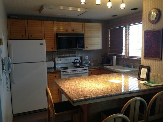 Village at Breckenridge Resort: The studio condo kitchen