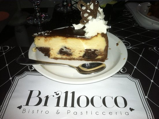 Brillocco Bistro & Pasticceria: brownie and nutella cheesecake with whipcream on top