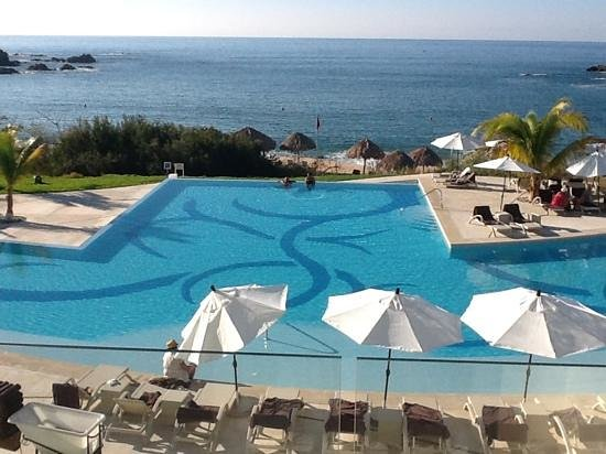 Pool picture of secrets huatulco resort spa huatulco for Pool spa show winnipeg