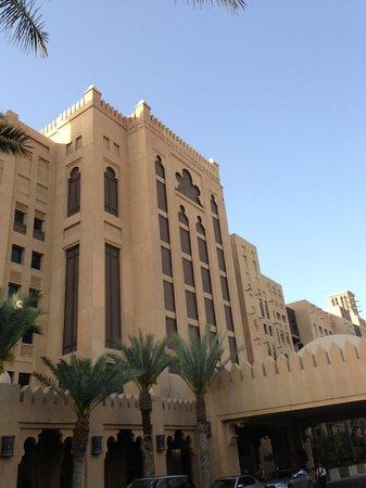 Jumeirah Mina A'Salam: Hotel front