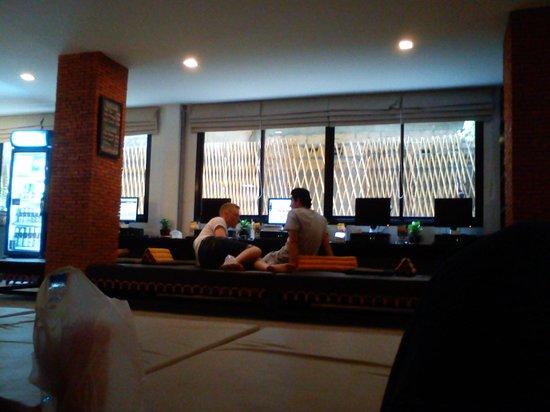 NapPark Hostel @ Khao San: common area and internet