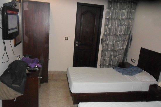 Hotel Suncity :                                     Rooms