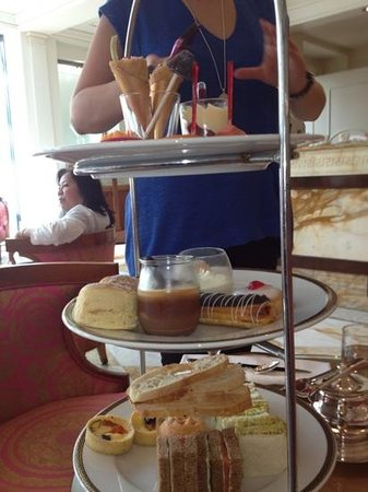 Le Jardin Cafe Restaurant :                                                                         high tea