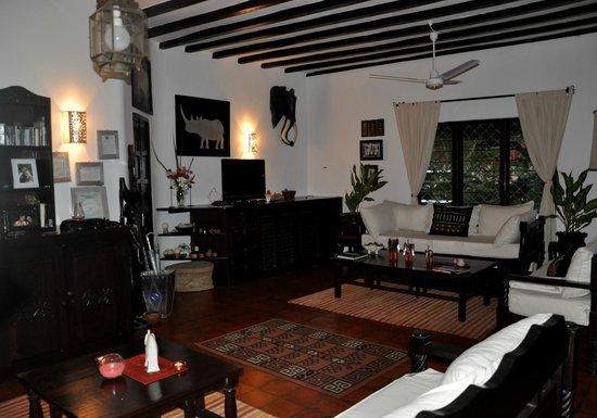 Luna House Malindi :                                     salon
