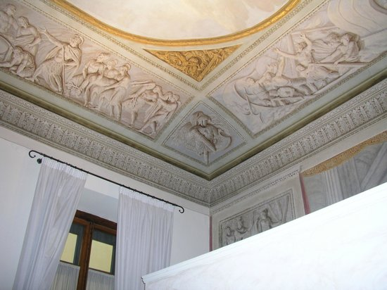Hotel Burchianti:                   Ceiling meets wall. Amazing!