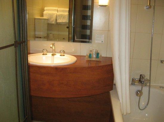 Holiday Inn Paris Gare de Lyon Bastille: salle de bains