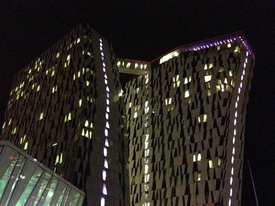 AC Hotel Bella Sky Copenhagen:                   flot hotel