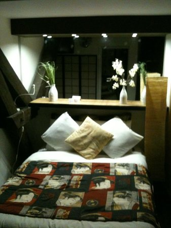Brussels Welcome Hotel:                   Japan room