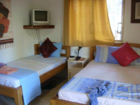 Isla Hayahay:                   Room 6