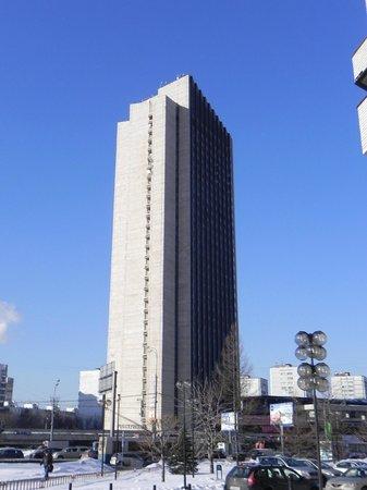 Hotel Astrus:                   vista dalla strada