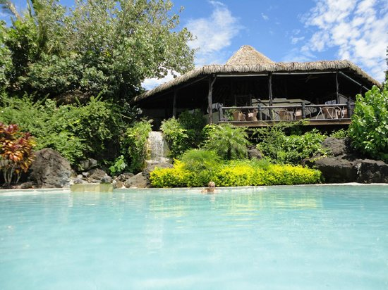 Pacific Resort Aitutaki:                                     The restaurant viewed from the pool