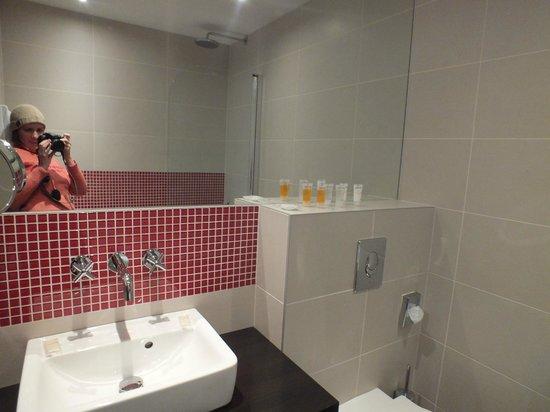 Red & Blue:                   Ванная комната