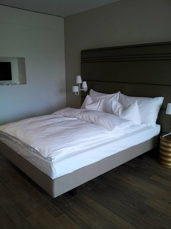 Limmathof Baden Hotel & Spa:                   Zimmer