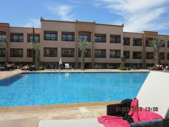 Zalagh Kasbah Hotel and Spa:                   By the pool,
