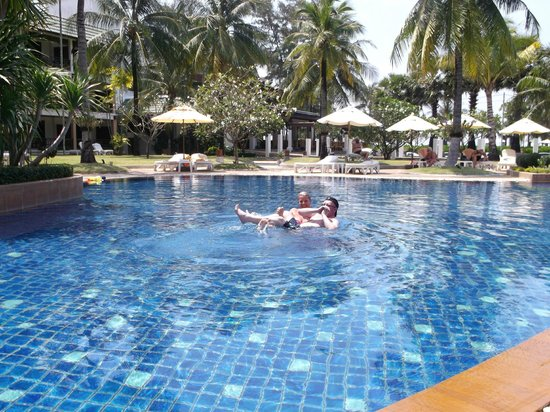 Katathani Phuket Beach Resort:                   katathani pool
