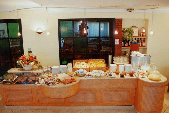 Hotel Berta: Colazione con ricco buffet - Breakfast with rich buffet