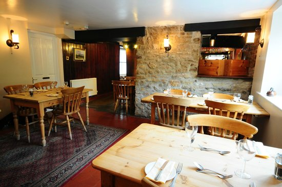 Wombwell Arms: Mid Restaurant