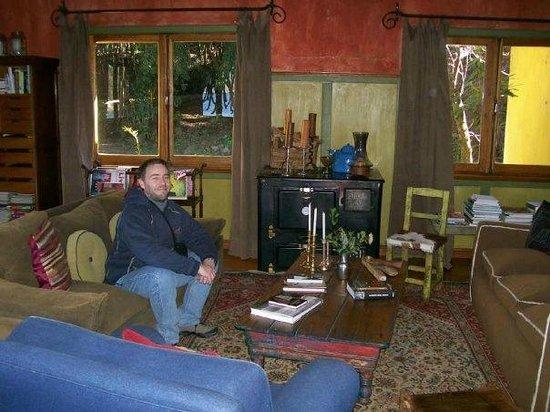 Los Juncos - Lake House:                   Living Room