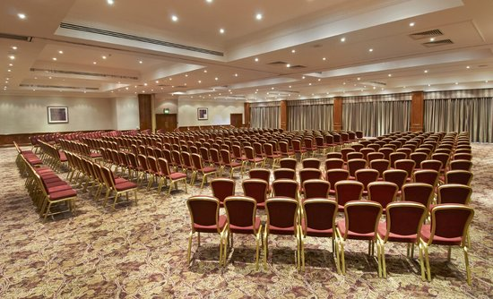 DoubleTree by Hilton Coventry: Minster Suite