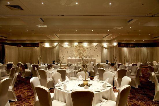 DoubleTree by Hilton Coventry: Minster Suite Wedding