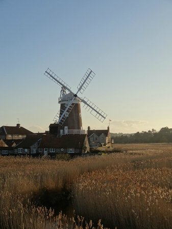 The George Hotel Cley:                   Cley Mill 250 mts away