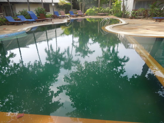 Chaweng Beachcomber:                   pool!