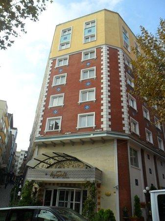 Aziyade Hotel:                   hotel