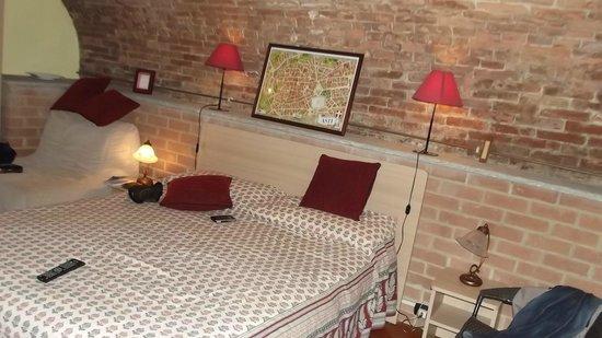 Bed & Breakfast La Valle:                   camera dei vini
