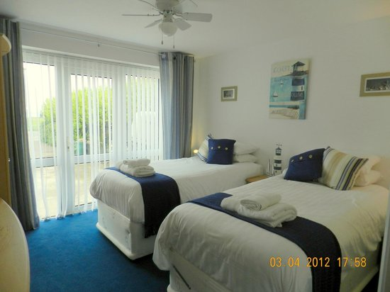 Watersedge Guest House: Room 7 (The Lighthouse (Ground Floor, with sea view)