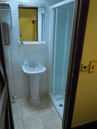 The Old Chaff Mill:                   Bathroom, small but perfect.