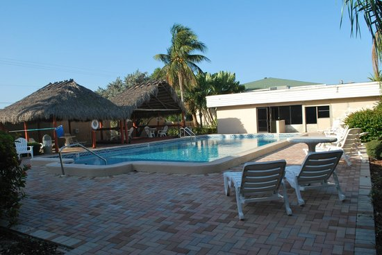 Travelodge Fort Myers: la piscina sul retro