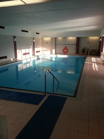 Small swimming pool picture of de vere horwood estate little horwood tripadvisor for Swimming pools buckinghamshire